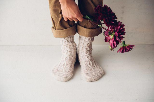 足元からおしゃれがはじまる靴下やソックスetc...などで魅せる冬コーデ