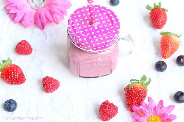 http://rezeptemitherz.blogspot.de/2016/04/tutti-frutti-fruhstucks-smoothie.html