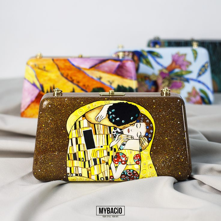 """Wooden clutch """"The Kiss"""" is hand-painted with acrylics and polished. Carcass made of natural wood beech. Inside - cotton lining. Metallic golden-tone clasp fastening. Detachable golden-tone chain. Shipping: 5 -25 working days. World-wide courier delivery for free."""