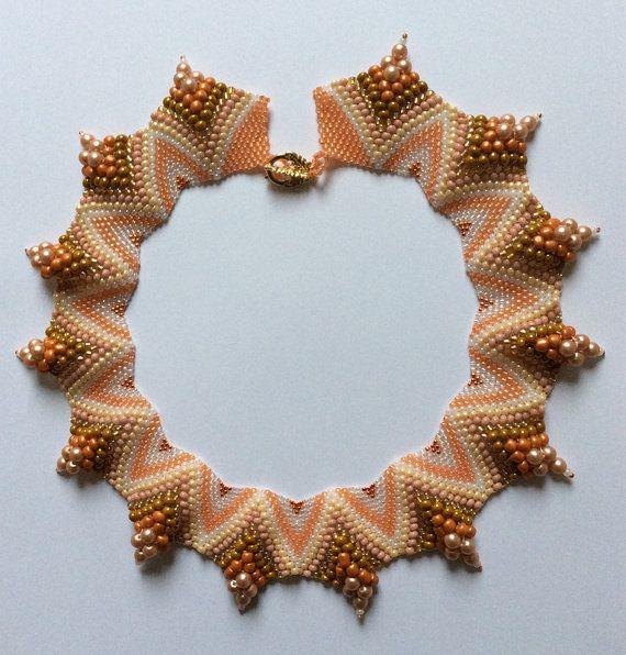Parel / Kralen Halsketting - Zalm, wit, goud - Handgemaakt - Juwelen Vrouwen - Kleurrijk - Elegant