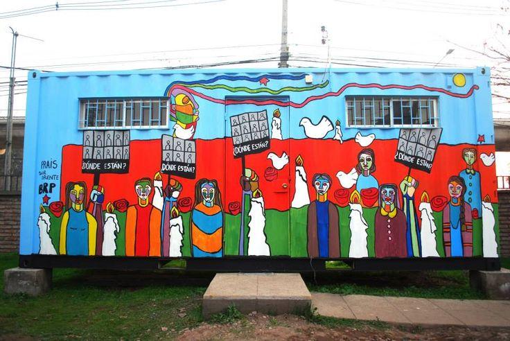 Mural Brigada Ramona Parra. Container PRAIS Hospital Sótero del Río. 2014.