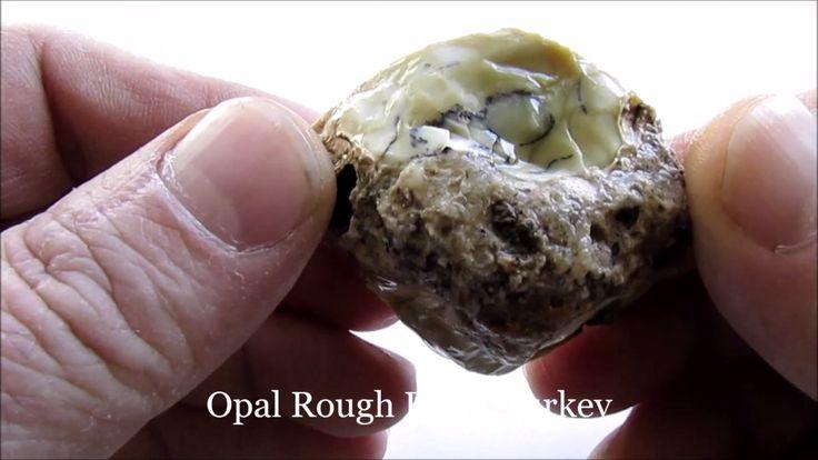 Opal Rough 295 Crt