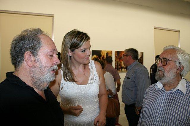 La exposición itinerante '15 fotógrafos, 15 ciudades únicas', del Grupo de Ciudades Patrimonio de la Humanidad de España y Fundación Antonio Saura, visita Baeza.