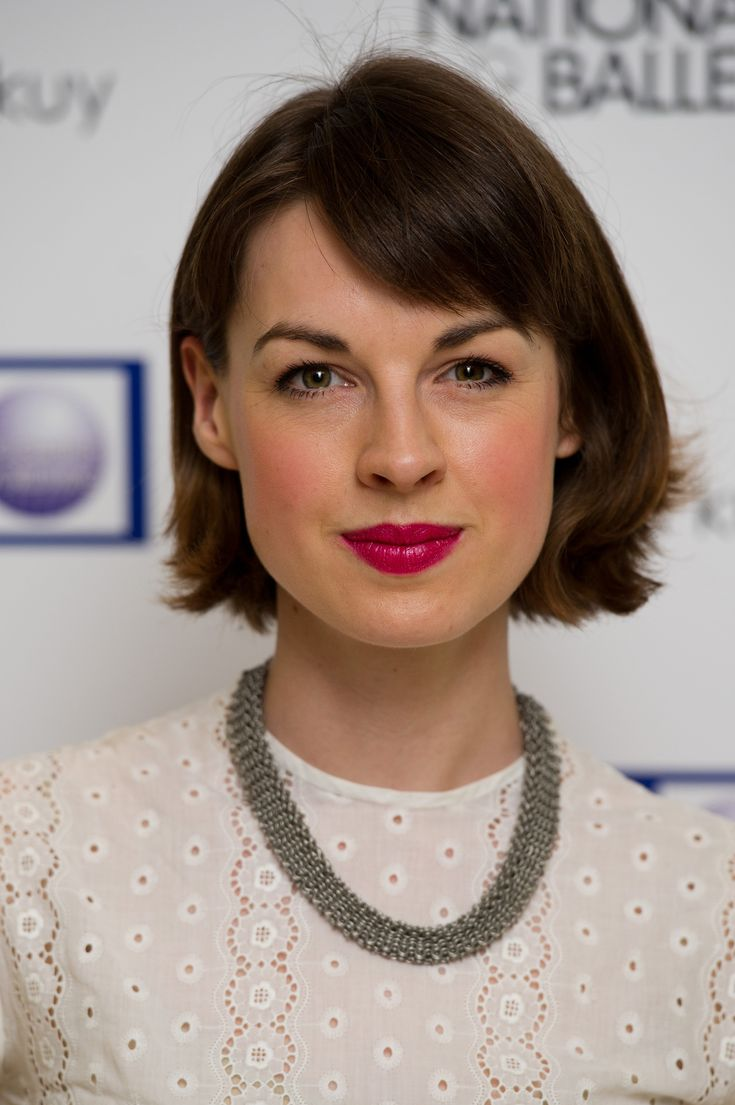 Lovely hair & makeup - Jessica Raine Call the Midwife