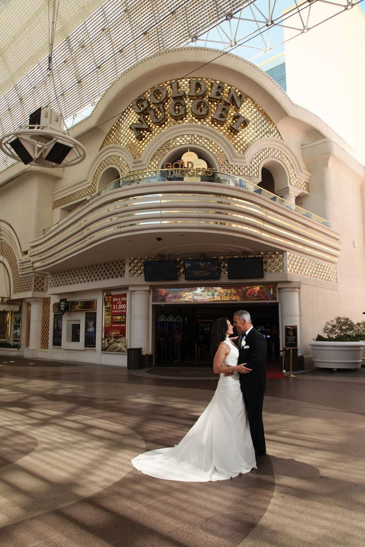 Las Vegas Wedding On Fremont Street In Front Of Golden Nugget