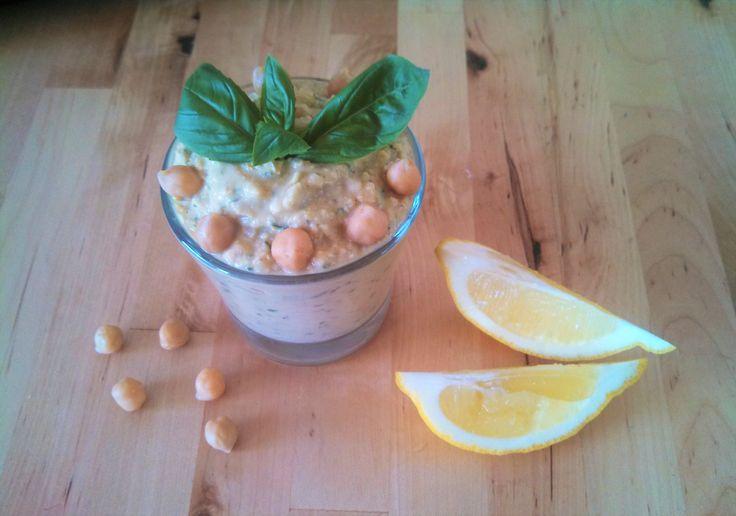 Basil and lemon hummus