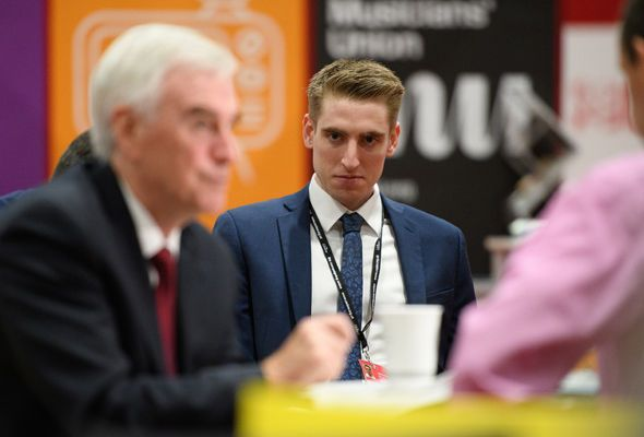 How hypocritical Labour handed plum £40k-a-year taxpayer-funded job to Jeremy Corbyn's SON - https://buzznews.co.uk/how-hypocritical-labour-handed-plum-40k-a-year-taxpayer-funded-job-to-jeremy-corbyns-son -