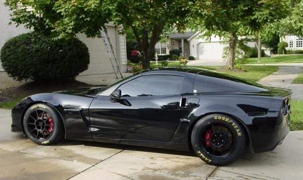 Yellow lettering on Goodyear tires -ZO6
