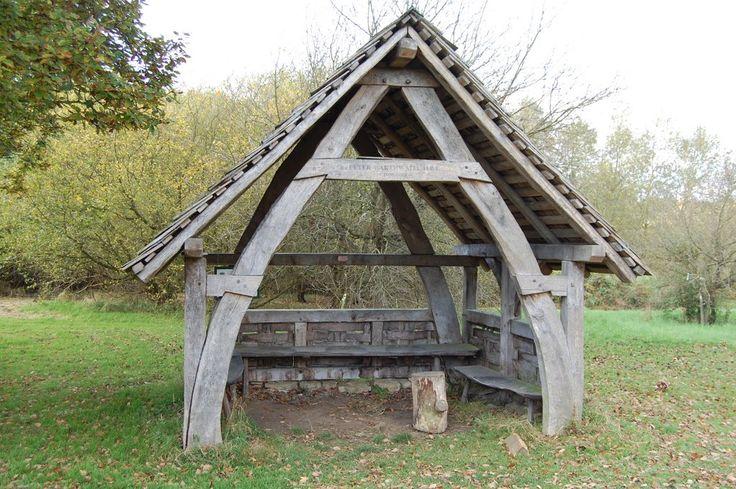 Cruck house castle howard timber frame pinterest for Cruck frame house plans