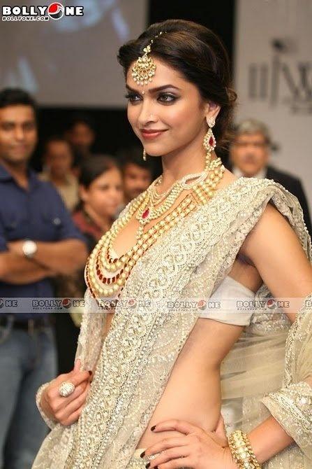 Kundan jewelry! Perfect accessories to glam up any sari!