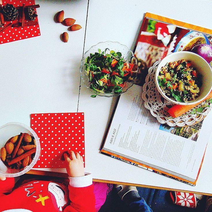 Kulisy mojego fotografowania i salatka z quiona. Juz wrzucam przepis na Moda na Bio. #healthy #healthylifestyle #healthyfood #followall #fit #fitness #creation #foodphotography #foodphotography #foodporn #instafit #instafood #kids #quinoa