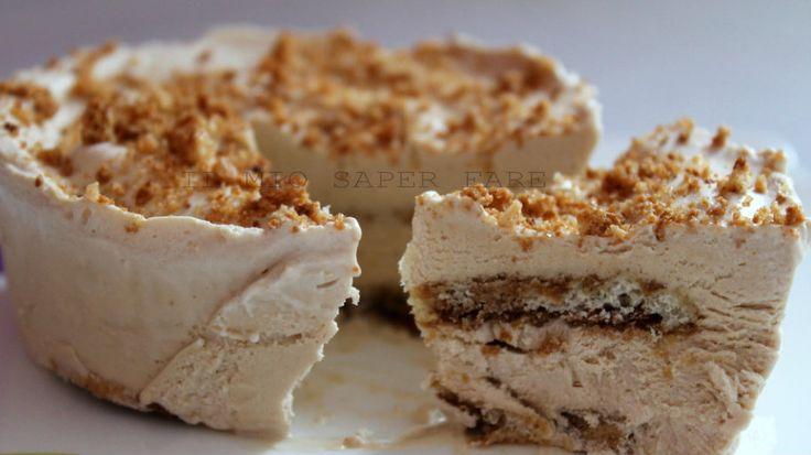 Torta gelato (gelato fatto in casa senza gelatiera)cremosa, morbida, si scioglie in bocca lasciandoci un graditissimo aroma di caffè e amaro.