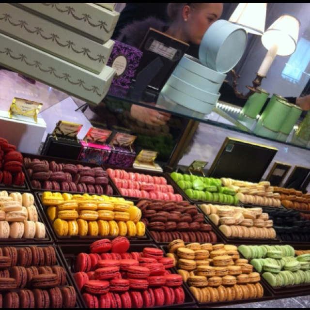 Fabuleux 97 best Ladurée Macarons, Paris images on Pinterest | French  VR22