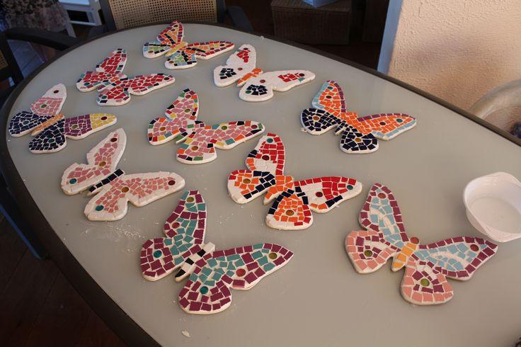 Complete mozaïekpakketten voor een kinderfeestje thuis. Gebaseerd op 8 kinderen. Webshop: http://www.mijnwebwinkel.nl/winkel/creatievekinderfeestpakketten