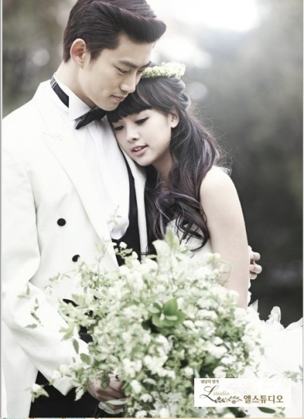 Taecyeon And Emma/Gui Gui. Love this-They are so freaking adorable