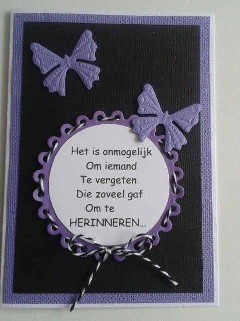 Condoleancekaart met tekst en vlinders in paars.zwart.wit.