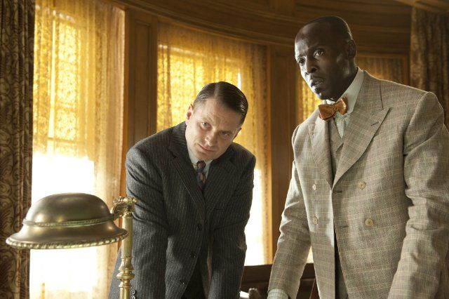 Still of Shea Whigham and Michael Kenneth Williams in Boardwalk Empire