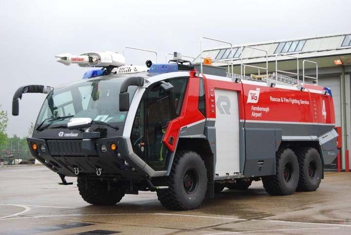 airfeild firetruck | Fire Engines Photos - Farnborough Airport Fire Service Rosenbauer