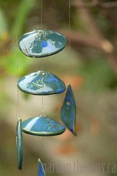 Easy to follow instructions to make a pottery wind chime.