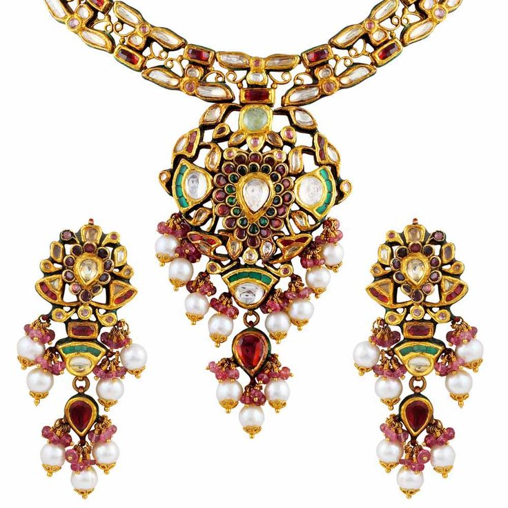 #kundan #traditional #necklace #set #Mehrasons #Jewellers #gold #ethnic #color #season