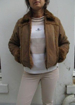 À vendre sur #vintedfrance ! http://www.vinted.fr/mode-femmes/blouson-aviateur/53271592-manteau-blouson-aviateur-vintage-avec-col-et-interieur-fourrure-taille-m