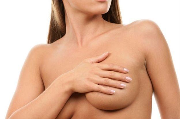 El aumento de pecho sigue siendo la operación más demandada por las mujeres