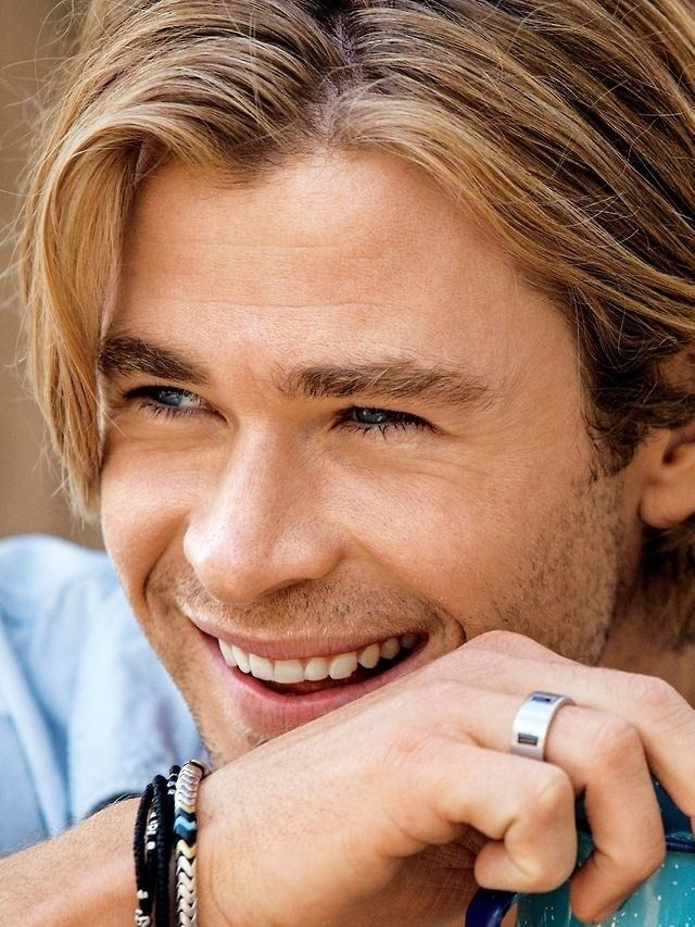 There's no doubt about it.... Chris Hemsworth has a great smile! #ChrisHemsworth #GreatSmiles #Smile  www.sallingtate.com