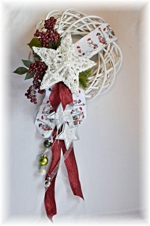 Vánoční věnec na dveře - ratan, bílá patina - bílá hvězda