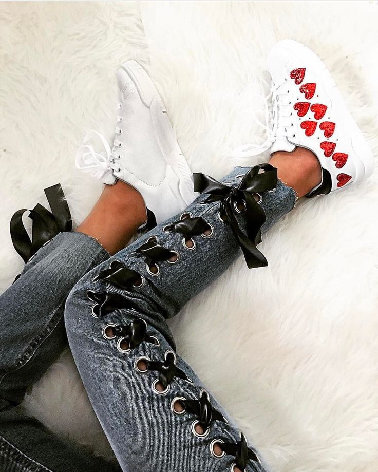 "15.1 m Gostos, 127 Comentários - Chiara Ferragni Collection (@chiaraferragnicollection) no Instagram: ""The heart sneakers """