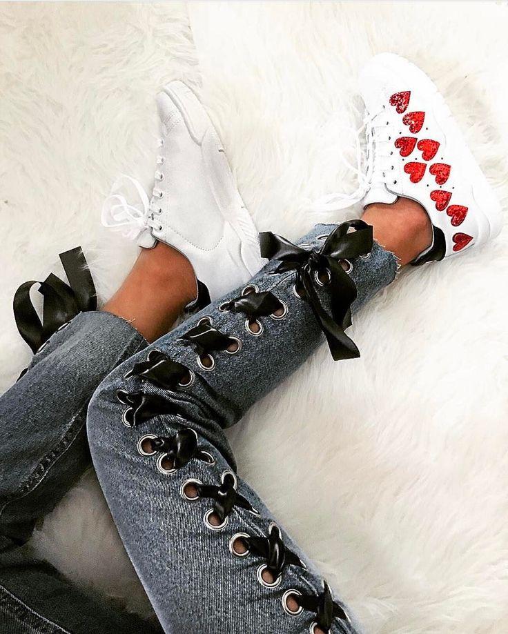 "15.1 m Gostos, 127 Comentários - Chiara Ferragni Collection (@chiaraferragnicollection) no Instagram: ""The heart sneakers """