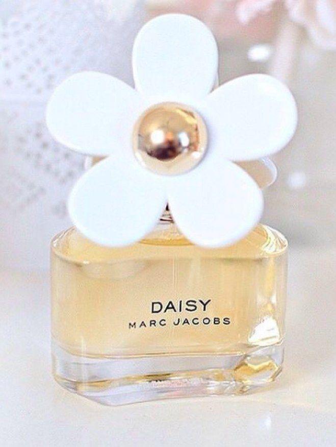 c76791a1070 Estos son los perfumes que usan las famosas en 2019 | PERFUMES | Perfume,  Fragancia y Belleza