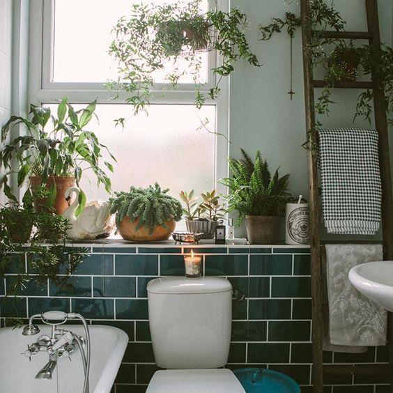 Idée déco : des plantes vertes dans la salle de bain - FrenchyFancy