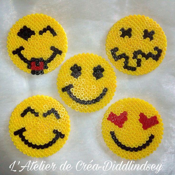 Voici une petite idée rigolote de petits sous verre avec des têtes de smiley réalisés sur la mini plaque ronde Hama midi, Rigolo à sortir en soirée. Ici je vous ai réalisé 5 exemples mais vous pouvez vous amuser à réaliser vos propres modèles, Ici il...