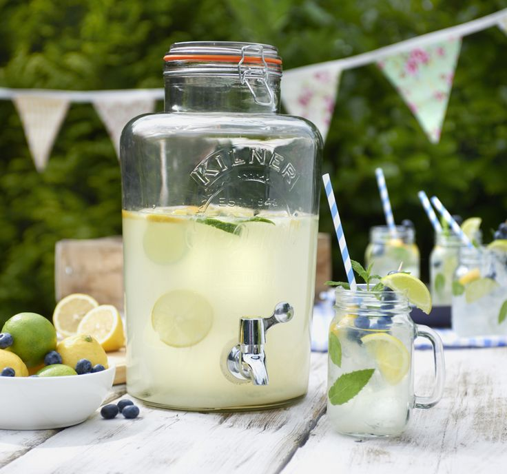 The Kilner Drinks Dispenser is amazing for garden parties and dinner parties! Fill it with lemonade, cocktails, beer or wine to impress your guests!