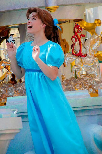 Wendy Darling face character | Disney world face ...