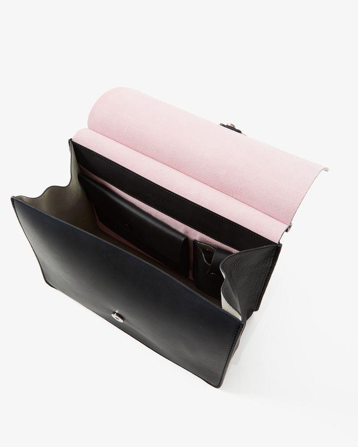 Shoppa väskor online- handväskor, weekendbags, kuvertväskor m.m. från Little Liffner, Jerome Dreyfuss, Coach, Michael Michael Kors m.fl. Alltid fria byten!