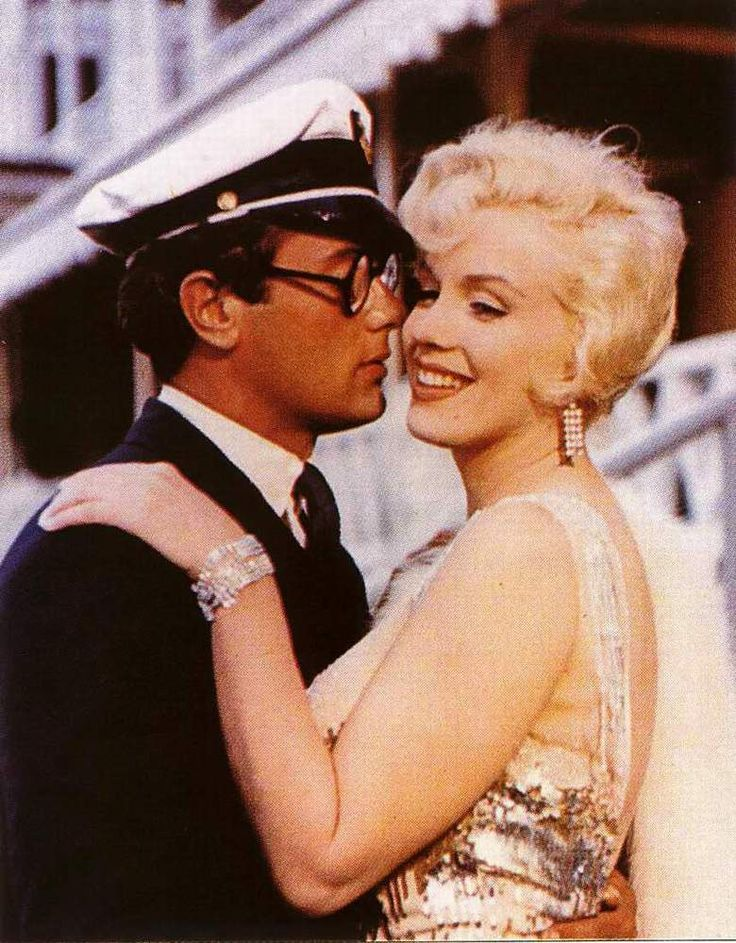 Tony Curtis and Marilyn Monroe in Some Like It Hot...Basically no one knows this movie but I LOVE IT