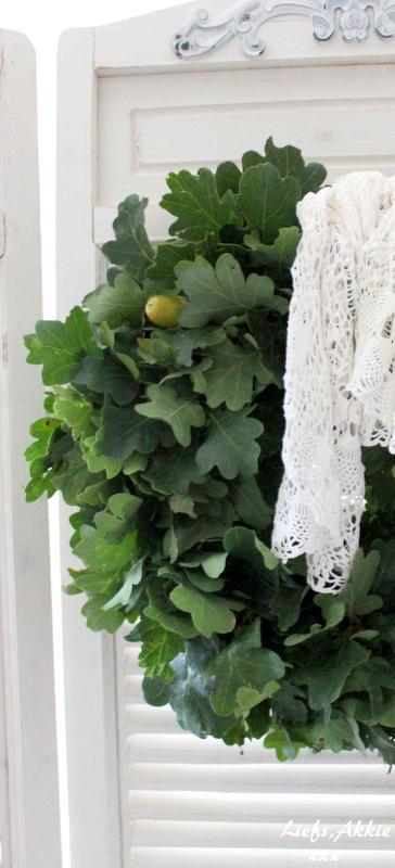 Mijn lievelingskrans..... eikenbladeren.
