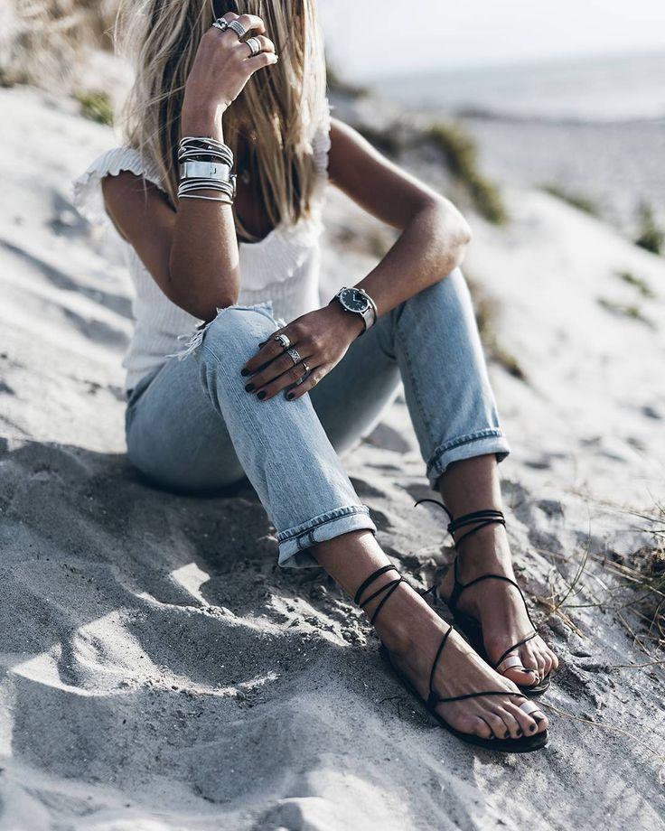 """23.2 χιλ. """"Μου αρέσει!"""", 190 σχόλια - Jacqueline Mikuta (@mikutas) στο Instagram: """"Rose 💥 Laced sandals & denim @alohassandals 💦  #alohassandals #beach #carmenrosegold #ad"""""""
