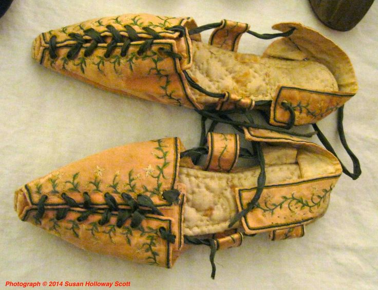 A Rare Pair of Embroidered Silk Sandals, c. 1805. quilted insoles!