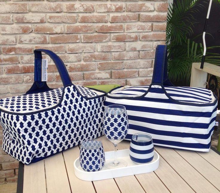 Acabaditos de llegar.! Nuevos bolsos térmicos (para temperaturas frías o calientes) Disponibles en 4 diseños en tono azul marino.