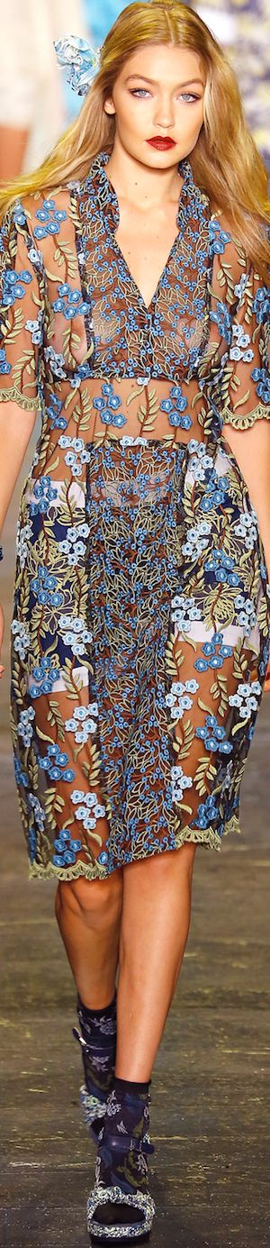 Love the color & floral, would never do sheer, but I like the idea of this outfit. ANNA SUI SPRING 2016 RTW | LOLO ᘡղbᘠ