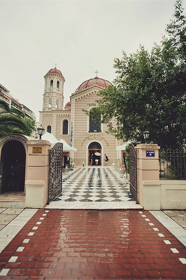 Mitropoli Thessalonikis, a beautiful church in the heart of the city. #weddingingreece #greekchurches See more http://www.love4weddings.gr/%CE%BC%CE%BF%CE%BD%CF%84%CE%B5%CF%81%CE%BD%CE%BF%CF%82-%CE%B3%CE%B1%CE%BC%CE%BF%CF%82-%CE%BA%CE%B1%CE%B9-%CE%B2%CE%B1%CF%80%CF%84%CE%B9%CF%83%CE%B7-%CE%BC%CE%B1%CE%B6%CE%B9-photoshoot-by-thanos-asfis/