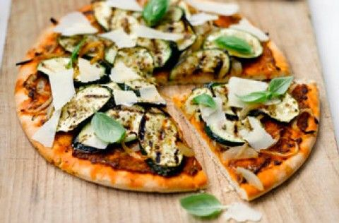 Weight Watchers courgette pesto and parmesan pizza recipe - goodtoknow