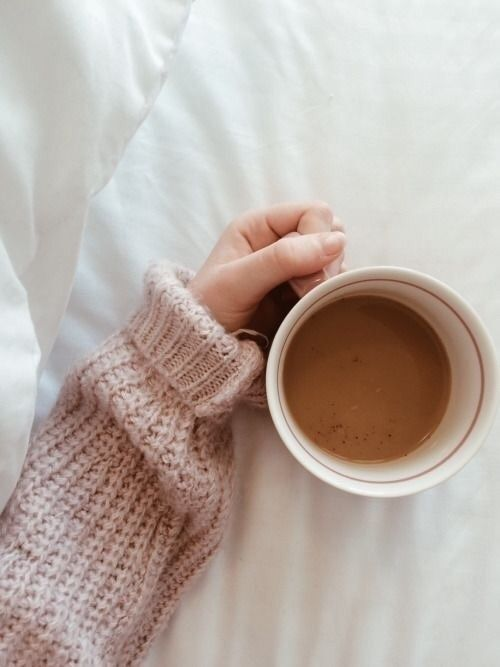 #girl #fall #drinks #theme #food #tea #sweater #aesthetic #autumn #tumblr  https://weheartit.com/entry/299658763