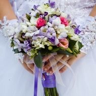 Snow white Bridal Bouquet - Snow white Bridal Bouquet > View Full-Size Imag... | Bouquet, Snow, Aud, Purchased, White | Bunches