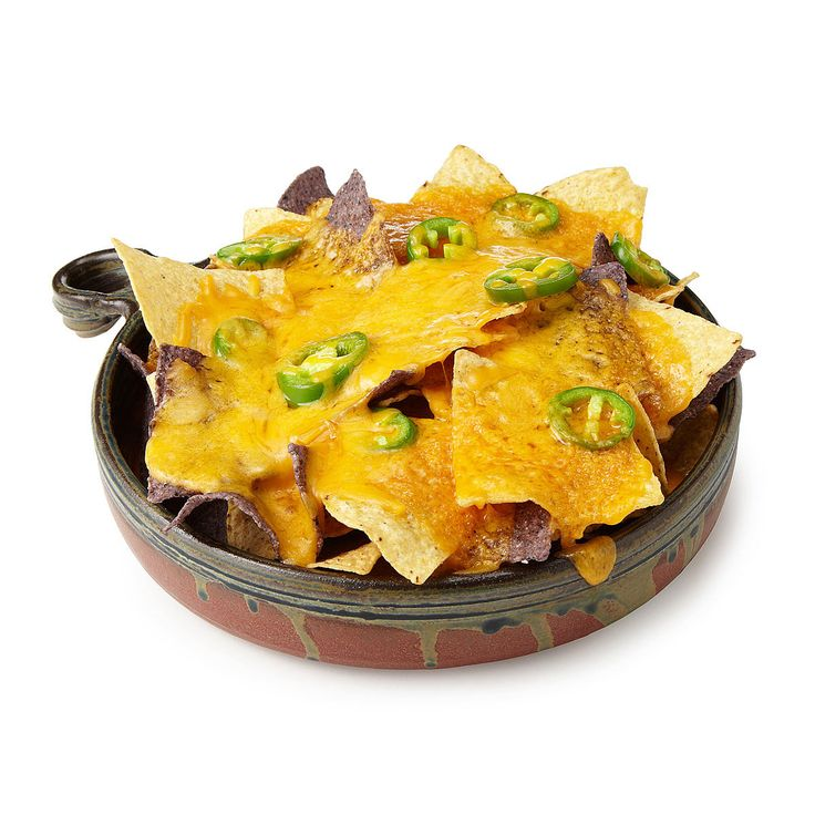 Enjoy nachos at home with this stoneware baking dish, able to be used in the oven or microwave.