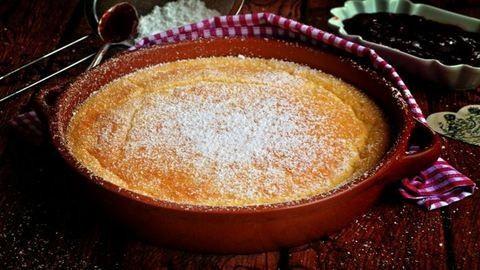 Bögrés császármorzsa a sütőből