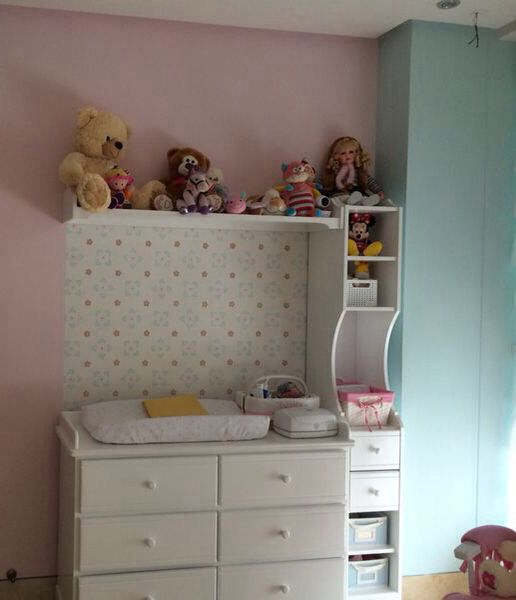A baby girl's room