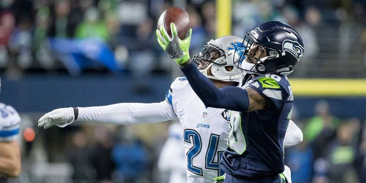 """""""Did they trade for Odell Beckham Jr? This is UNBELIEVABLE.""""  Paul Richardson. One hand. Wow. Wow. Wow. #NFLPlayoffs"""